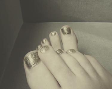 sparklytoenails.jpg