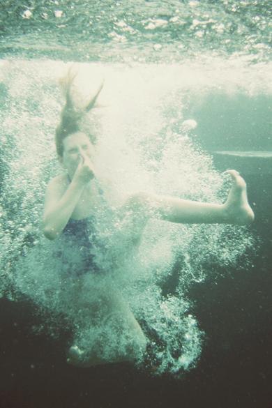 hollyunderwater4sm.jpg
